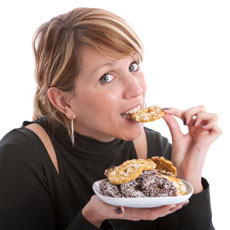 woman-eat-biscuits